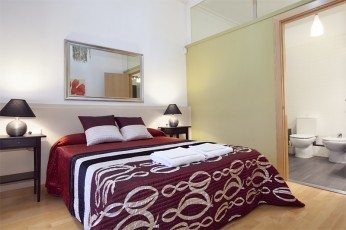 This is a fantastically comfortable apartment for guests that demand a bit of luxury in a smart location. Master bedroom with private bathroom Big double bedroom with double bed 2 Big double bedrooms