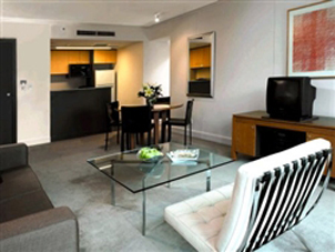Superbly located in the City Centre only 5 minutes walk to Darling Harbour, and Sydney`s best shopping. We offer 1, 2 & 3 bedroom apartments as well as studio rooms . The style of your apartment is mi